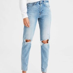 American Eagle High-Waisted Light wash Mom jeans